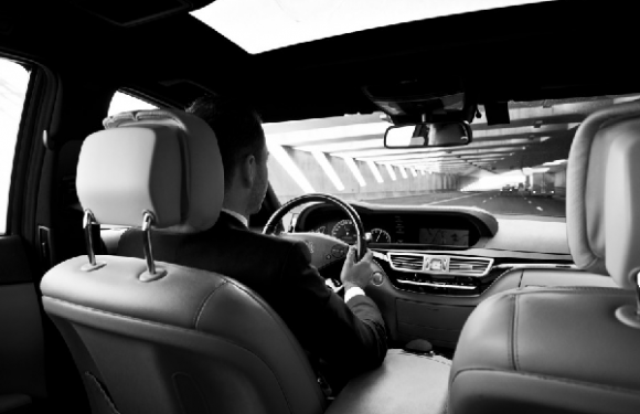 Relaxing Travel With a UK Chauffeur Service